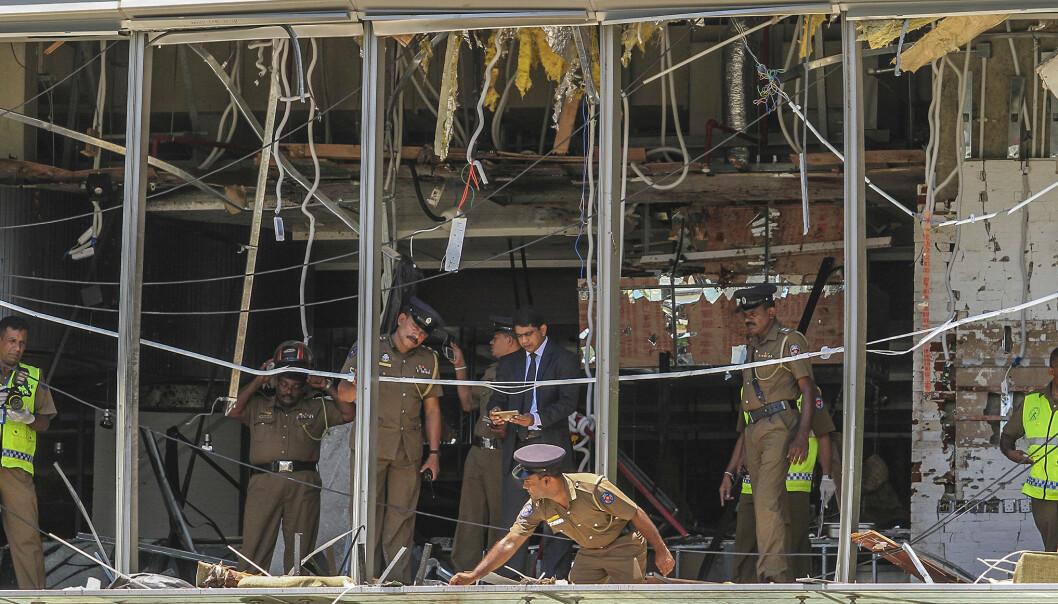 <strong>LUKSUSHOTELL:</strong> Eksplosjonen i femstjernershotellet Shangri La skal ha oppstått i 3. etasje. Det er uklart hvor mange som har blitt drept på de ulike stedene. Foto: AP Photo/Chamila Karunarathne/NTB Scanpix