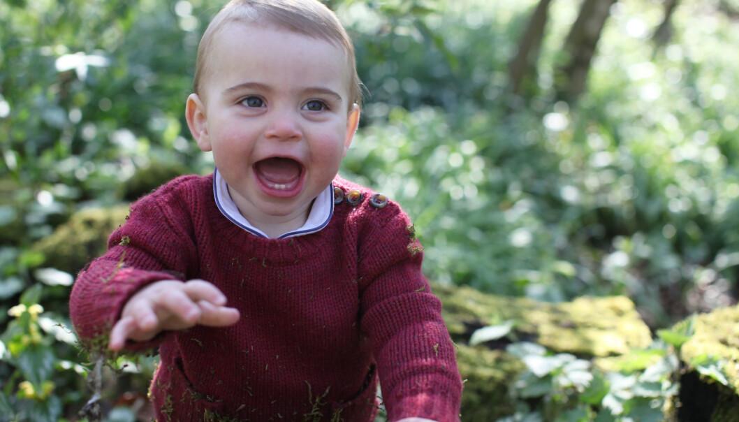 <strong>BURSDAGSBARN:</strong> I anledning prins Louis' ettårsdag, har det britiske kongehuset delt tre nye bilder, alle tatt av hertuginne Kate tidligere denne måneden. Foto: NTB Scanpix