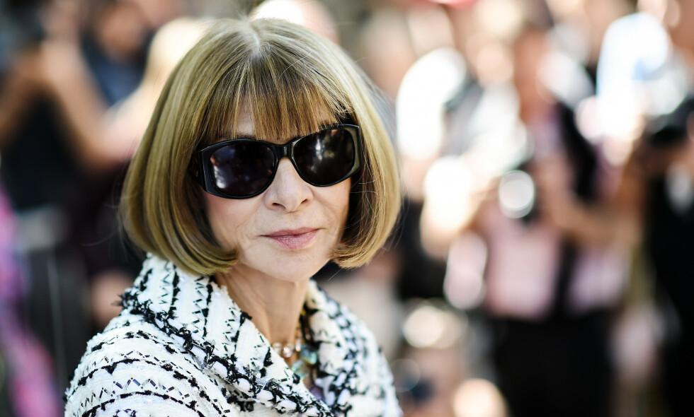 SOLBRILLER: Anna Wintour er kjent for å gå med solbriller ved de fleste anledninger. Nå avslører hun hvorfor. Foto: NTB Scanpix