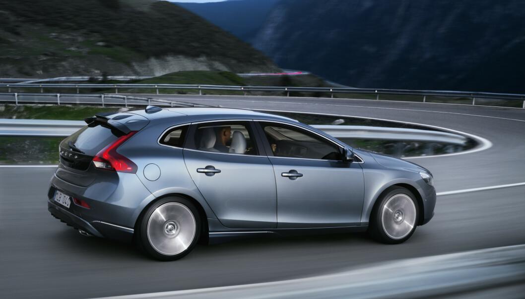 <strong>SLUTT:</strong> I august er det slutt for Volvo V40 – et forbilde i klassen når det gjelder sikkerhet. Foto: Volvo