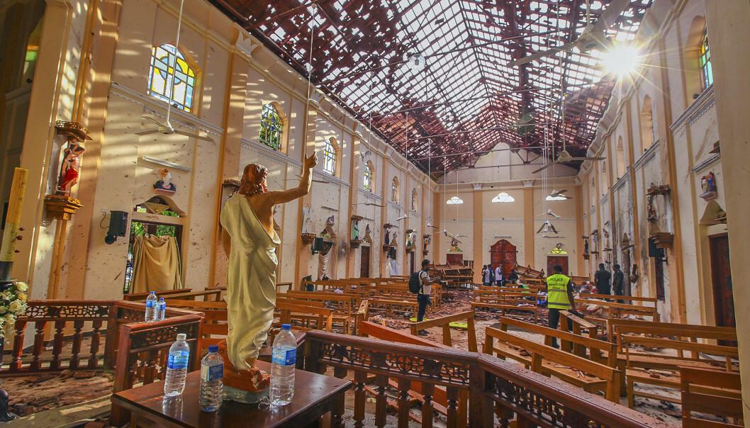 Tallet på døde etter angrepene første påskedag er nå oppe i 359. Foto: Chamila Karunarathne / AP / NTB scanpix