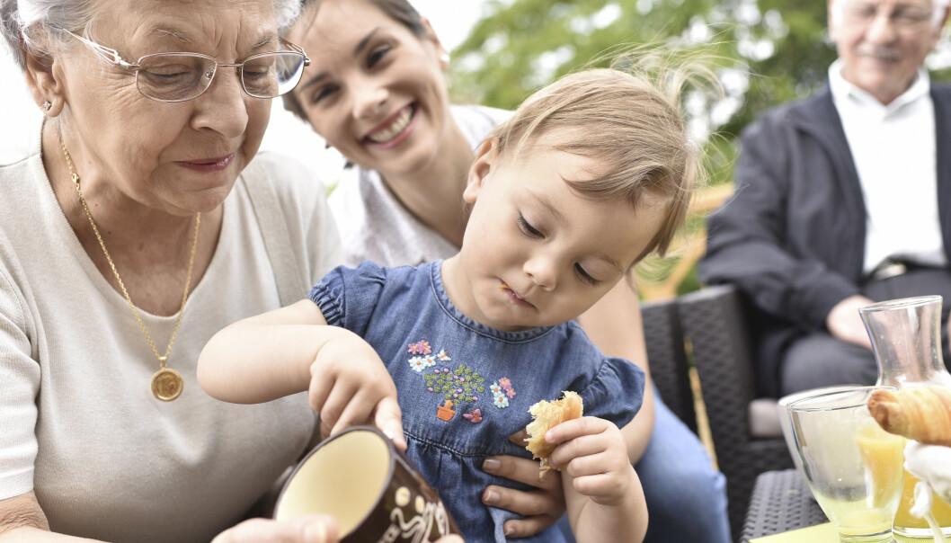 FARMOR? Selv slektskapstester kan gi overraskende svar. Vær forberedt, råder slektsgransker Renathe-Johanne Wågenes. FOTO: Shutterstock.