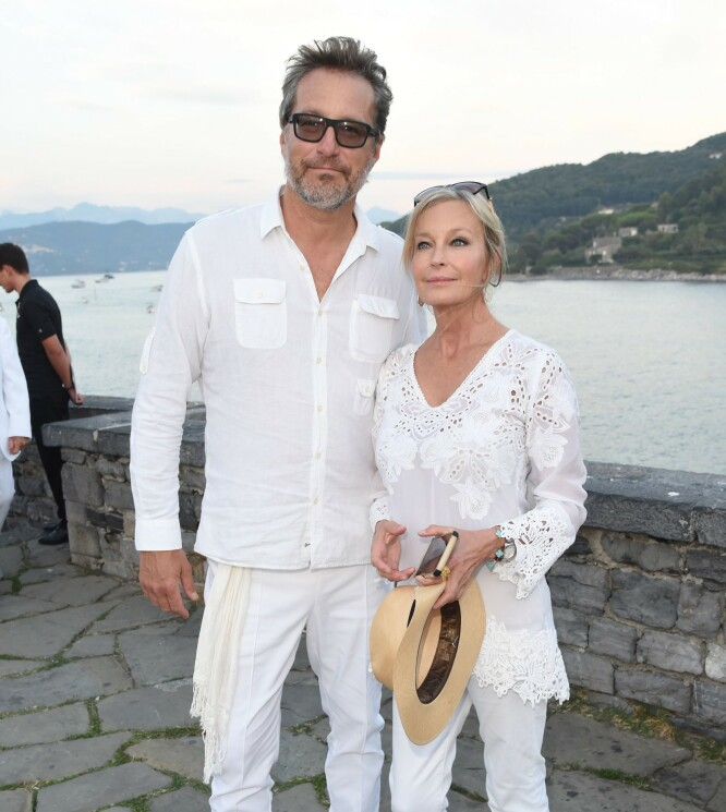 LYKKELIG PÅ NY: Bo Derek fant kjærligheten på nytt med skuespiller John Corbett som spilte Aiden i «Sex & Singelliv». FOTO: NTBScanpix