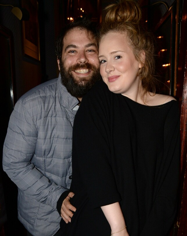 RACE: Adele and Simon published the divorce in early April. By the way, the superstar has received a new flame. Photo: NTB scanpix