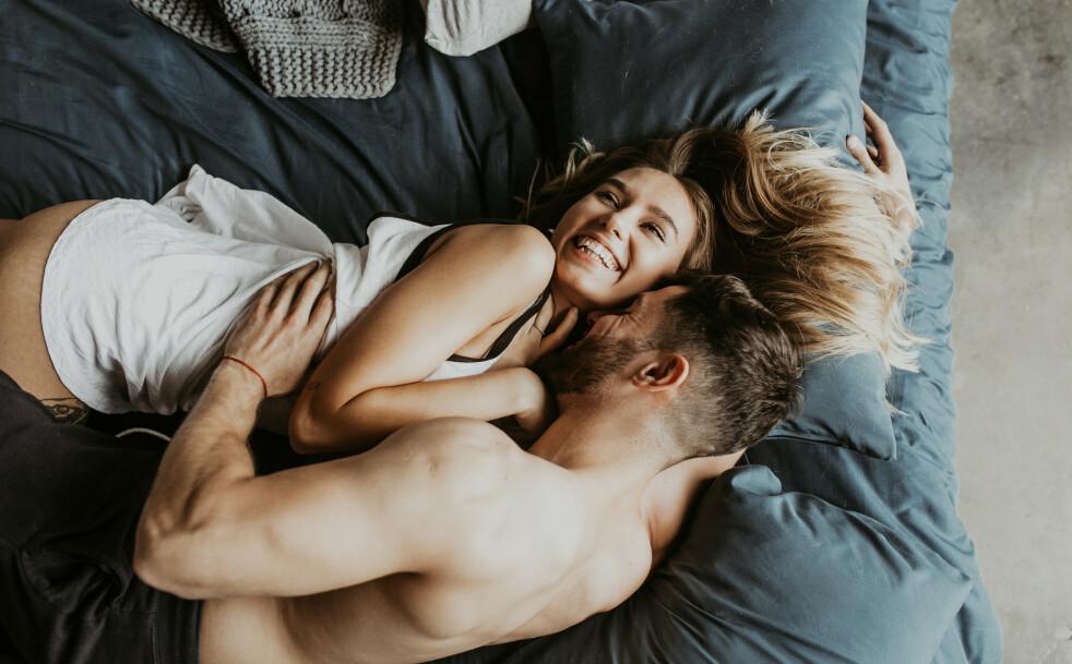 BYTT SIDE: Ifølge søvnekspert har vi godt av å gjøre ting på en ny måte. FOTO: NTB Scanpix