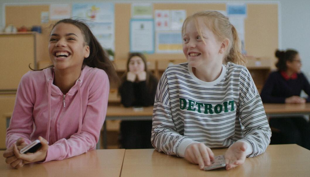 NORSK DRAMASERIE OM TENÅRINGSJENTER: I NRK Supers nettdramaserie «Lik Meg» får vi innblikk i hvorfor noen jenter har så stort behov for å ha makt over andre og hvor langt enkelte jenter går for å passe inn. FOTO: NRK