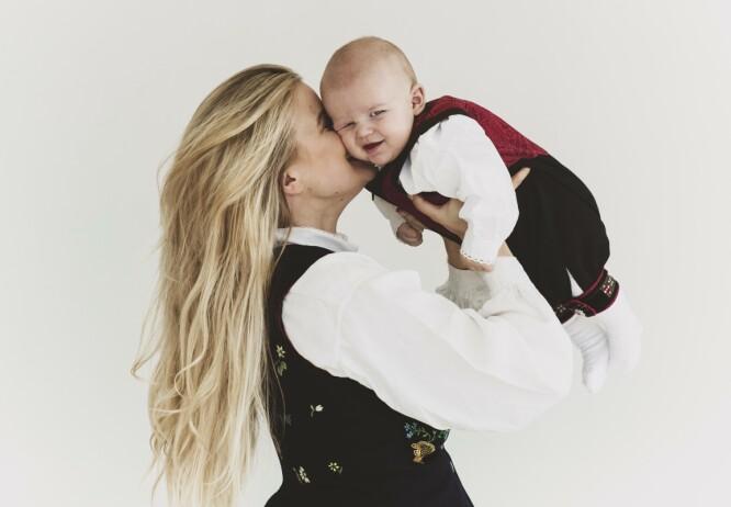 – Jeg hadde i grunn tenkt at det skal bli digg å bli ferdig med å være gravid, men nå vet jeg jo at det er da det virkelig begynner, sier Sandra. FOTO: Astrid Waller