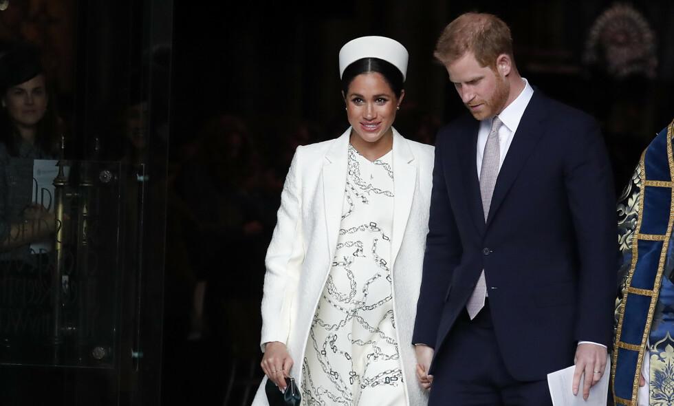 NAVNESPEKULASJONER: Det er lenge blitt spekulert på hva Harry og Meghans kommende barn skal hete, og nylig trodde fansen de hadde funnet alternativene på kongehusets nettsider. Foto: NTB Scanpix