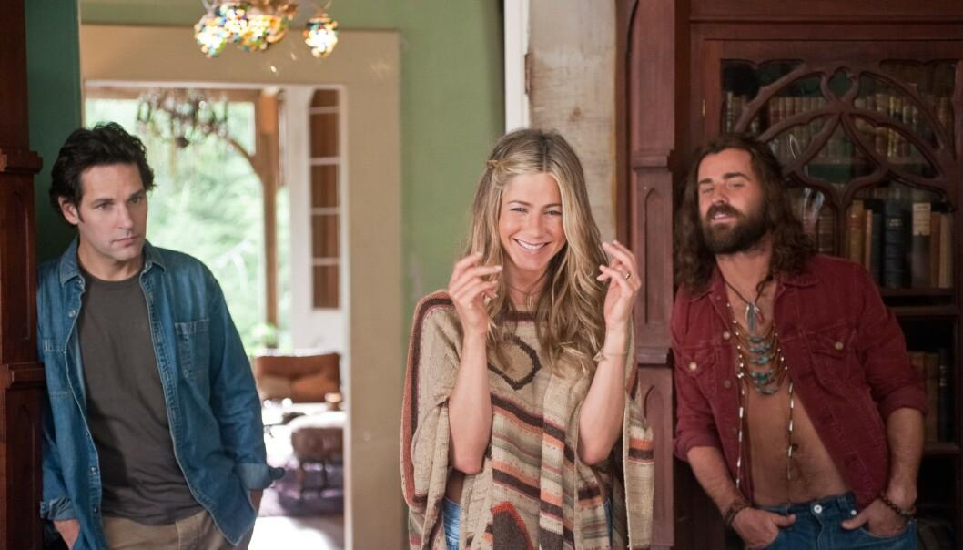 MØTTES PÅ JOBB: Jennifer Aniston og Justin Theroux (t.h) møttes under innspillingen av «Wanderlust» i 2011. Her med Paul Rudd (t.v). Foto: NTB scanpix