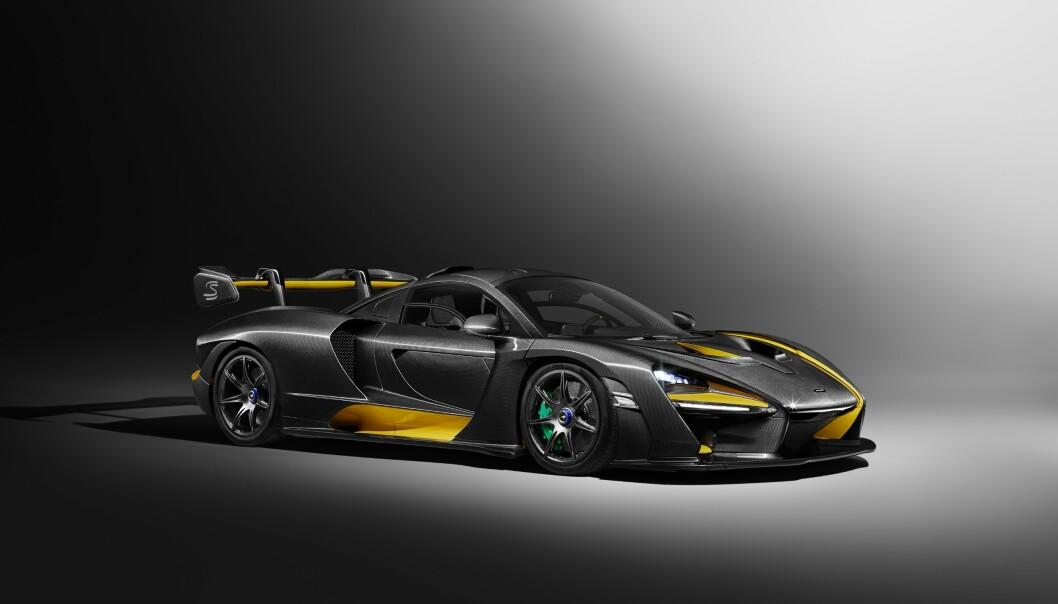 """<strong>SUPER-RASK:</strong> Senna skal klare 0-200 km/t på litt over sju sekunder. Den midtplasserte motoren yter """"bare"""" 800 hester, men bilen veier bare 1100 kilo. Foto: McLaren"""