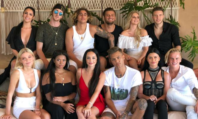 «PARADISE HOTEL»: Disse tolv deltakerne var de første som sjekket inn på hotellet i Mexico i årets sesong. Foto: Kine Falch / Dagbladet