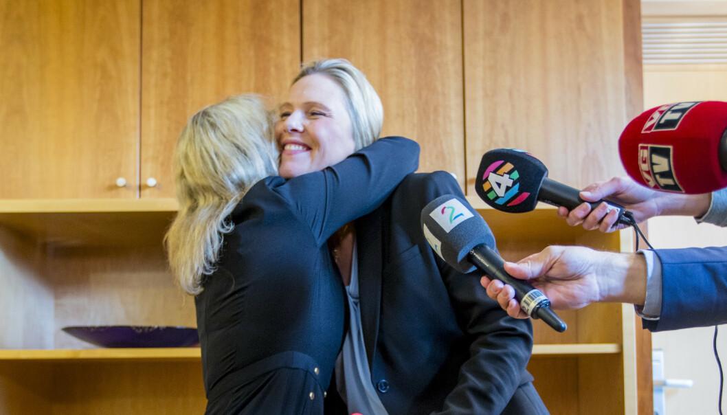 Støre: - Jeg er kritisk til at Erna Solberg velger henne