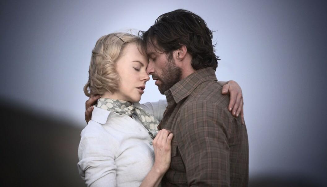 PÅ LERRETET: I den oscar-nominerte filmen Australia spilte Kidman og Jackman elskere. Foto: NTB Scanpix