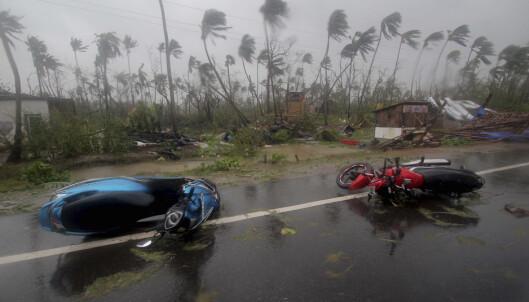 Minst 21 døde etter syklon i Bangladesh