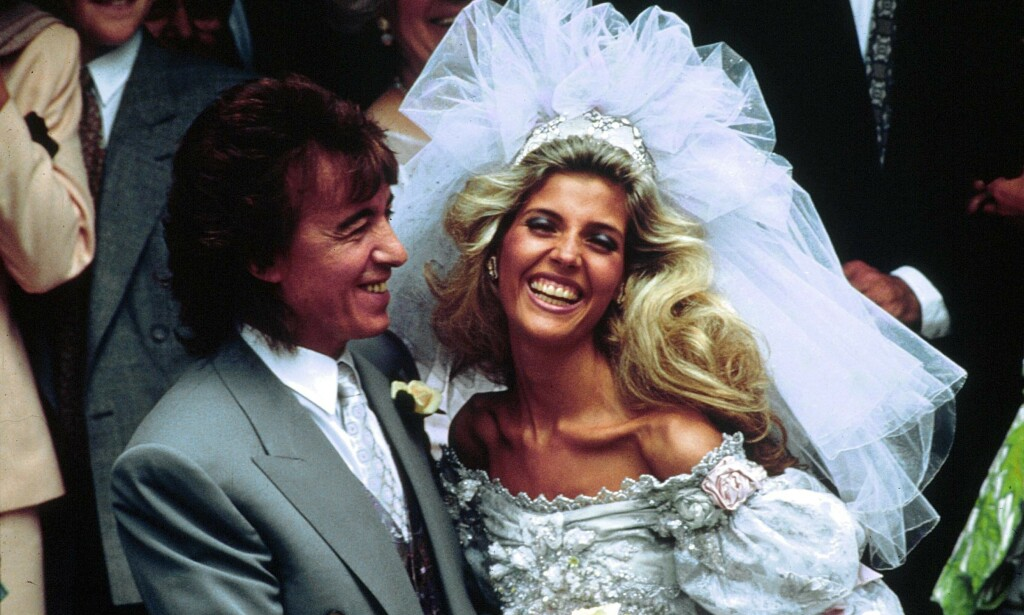 OMSTRIDT: Ekteskapet til Bill Wyman og Mandy Smith fikk enorm mediedekning, spesielt etter at offentligheten ble gjort kjent med forhistorien deres. Nå forteller førstnevnte at giftermålet aldri burde funnet sted. Foto: NTB Scanpix
