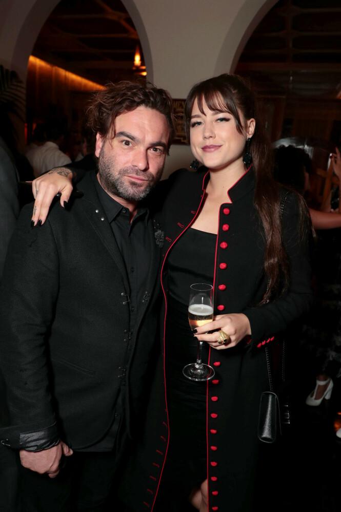 FORELSKET: Johnny og Alaina viste seg sammen offentlig for første gang på Emmy-utdelingen i fjor. Foto: NTB Scanpix