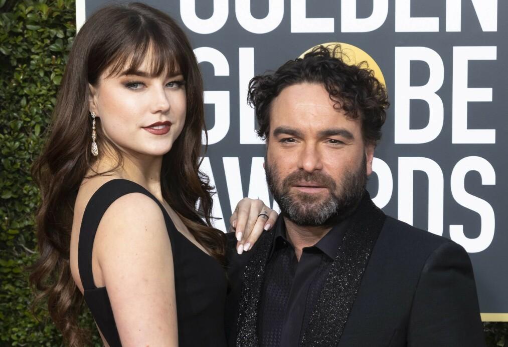 BABYLYKKE: Skuespiller Johnny Galecki og kjæresten Alaina Meyer blir foreldre for første gang. Det bekrefter paret selv i en offentlig uttalelse. Foto: NTB Scanpix