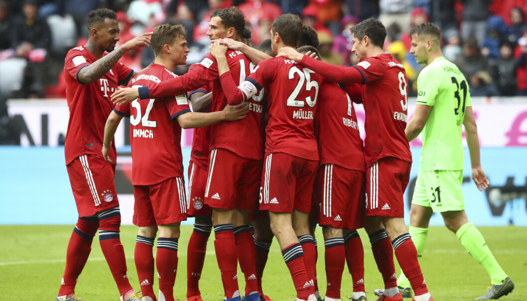 KAN JUBLE: Bayern-spillerne kunne både feire tre poeng og rivalens poengtap. Foto: NTB Scanpix