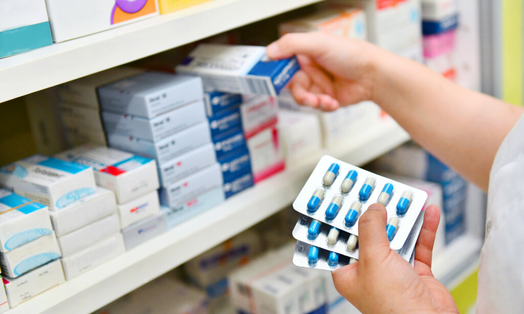 VÆR OBS: Enkelte medisiner skal ikke blandes, og ofte er det nødvendig med en ekstra gjennomgang hos legen. Foto: NTB Scanpix