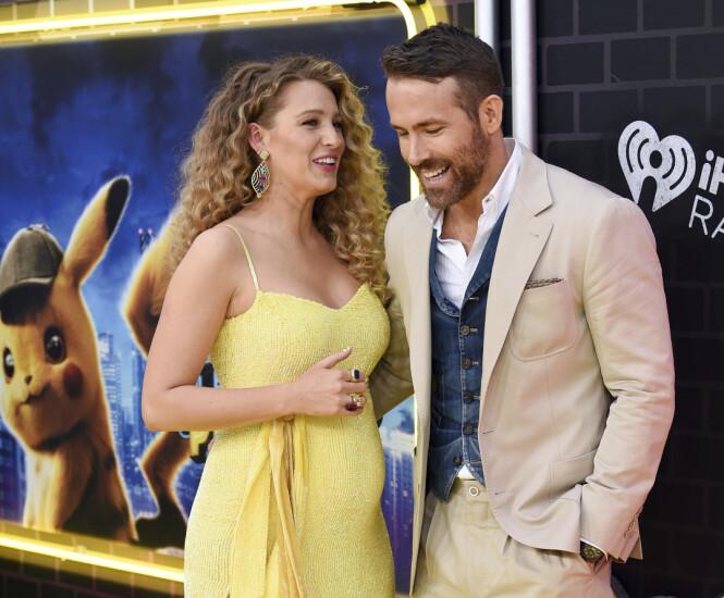 <strong>OVERRASKET:</strong> Stjerneparet Blake Lively og Ryan Reynolds overrasket en hel verden, da de dukket opp på rød løper forrige uke. Foto: NTB scanpix