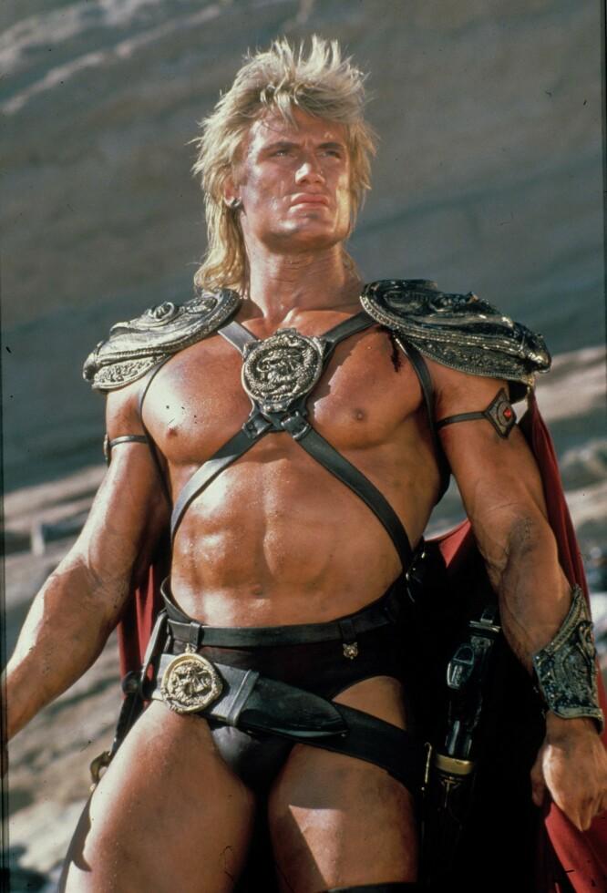 EN MANN FOR SIN TANGA: Dolph Lundgren i en av sine mange actionroller i Hollywood. FOTO: NTBScanpix.