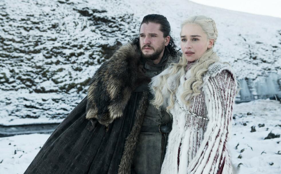 GAME OF THRONES: Det kunne faktisk vært noen HELT andre skuespillere enn Kit Harrington og Emilia Clarke som hadde spilt Jon Snow og Daenerys Targaryen. FOTO: HBO