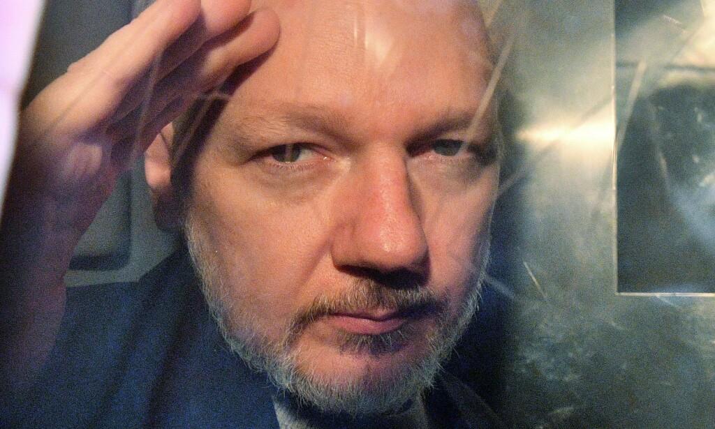 50 UKER: Julian Assange avbildet etter å ha fått dommen forrige uke. Foto: NTB Scanpix