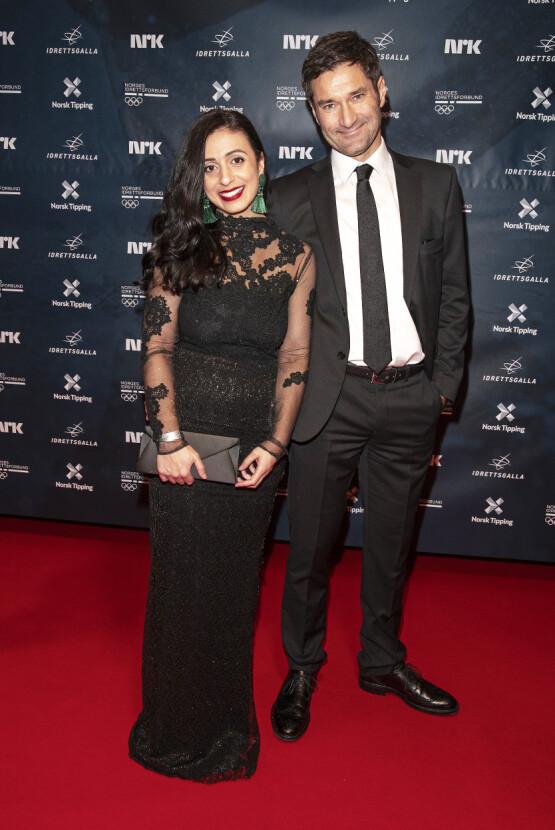 PÅ RØD LØPER: Hadia Tajik og Kristian Skard under Idrettsgallaen i januar. Foto: Andreas Fadum / Se og Hør