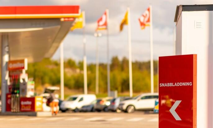LYNLADING: På fire stasjoner i Sverige kan du lynlade deg frem til København. Foto: Terje Borud / Circle K