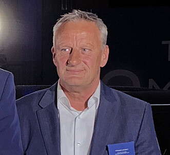AVDUKNING: Norgessjef i Honda, Mikael Larsen, under avdukingen av nye Honda e. Foto: Christina Honningsvåg