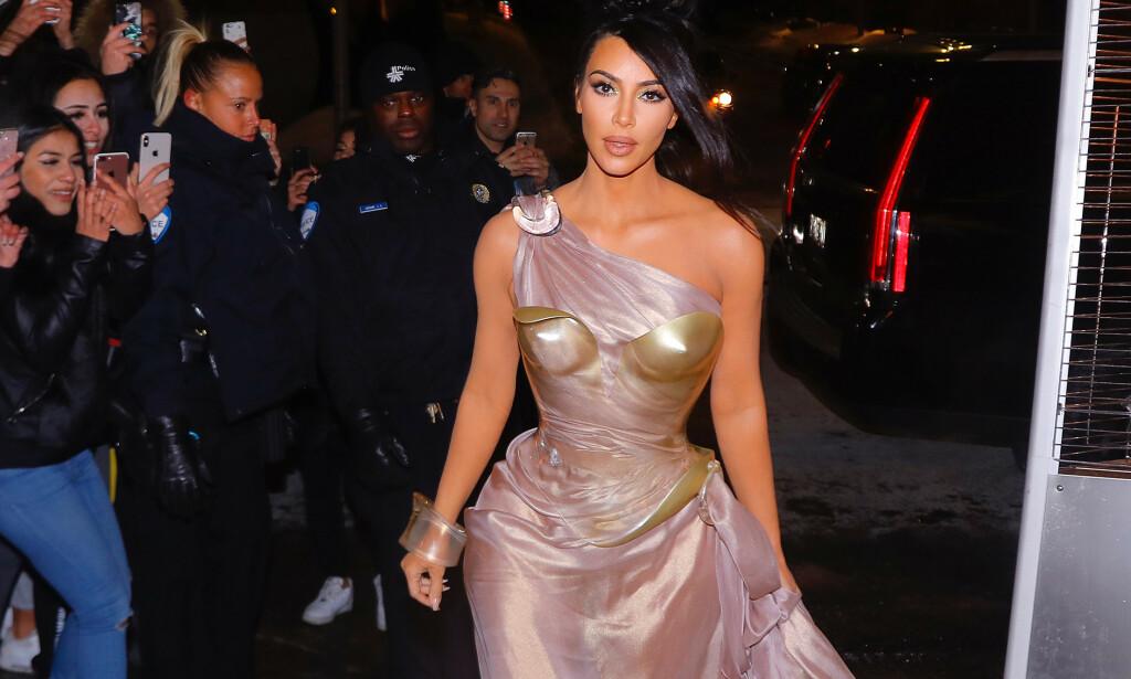 NY ÆRA: Sextapen som ble lekket i 2007 gjorde Kim Kardashian West til stjerne over natten. Siden den gang har mye endret seg for realitydronningen. Her på vei til en utstillingsåpning i Montreal i februar. Foto: NTB Scanpix