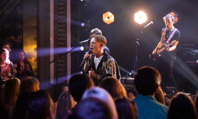 DEBUT: Sondre Justad framfører låta for første gang på «Senkveld» fredag. Foto: TV 2