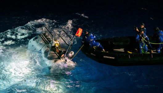 Rekorddykker fant plastpose på havets dypeste punkt