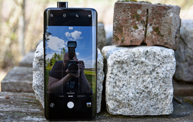 df387d34 SKYVES OPP: Når du bytter til frontkameraet, starter Snapchat eller hva det  måtte være