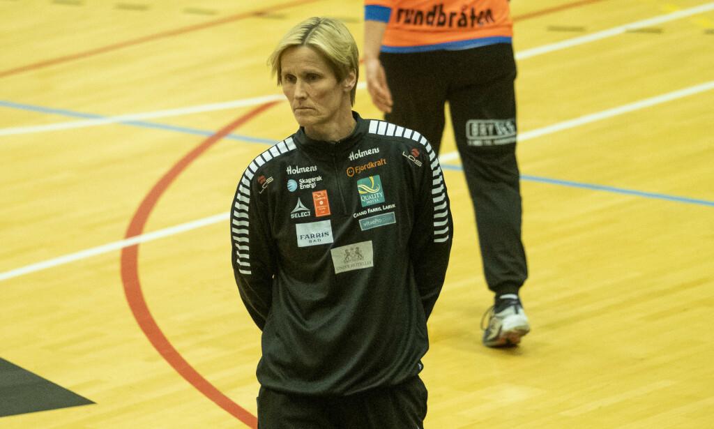 Larvik-trener Lene Rantala og LHK flyttes ned til 1. divisjon neste sesong. (Foto: Tor Erik Schrøder / NTB scanpix).
