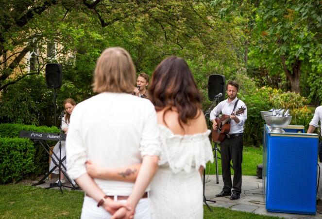 OSS TO: Han jeg elsker på vår tiende bryllupsdag. FOTO: Endre Lohne