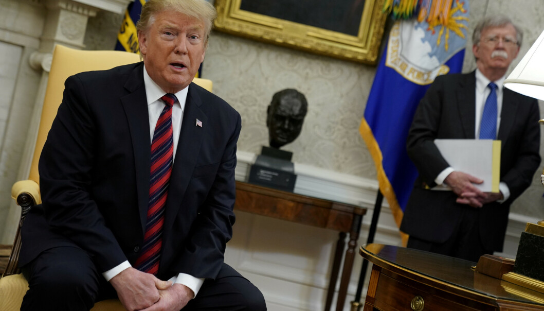 Etter sterke spenninger beordrer USA ambassadeansatte til å forlate USA. Foto: REUTERS/Jonathan Ernst/File Photo / NTB scanpix