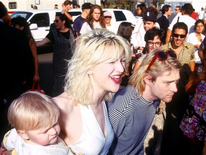 SØKELYS: Medietrykket på familien var enormt, og Kurt Cobain så ikke alltid ut til å trives. FOTO: NTB Scanpix