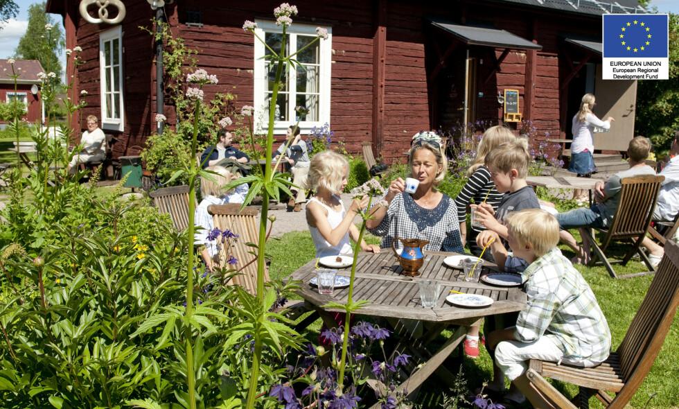 HISTORISK SUS: I Dalarna lever de rotsvenske tradisjonene i beste velgående, og skaper en fantastisk ramme for familiekos. Foto: Ulf Palm