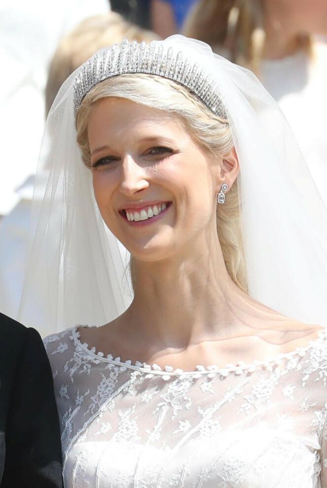 <strong>SKINNER:</strong> Lady Gabriella Windsor hadde på seg en stor og glitrende tiara i bryllupet. Den er tidligere blitt brukt av hennes mor og mormor. Foto: NTB scanpix