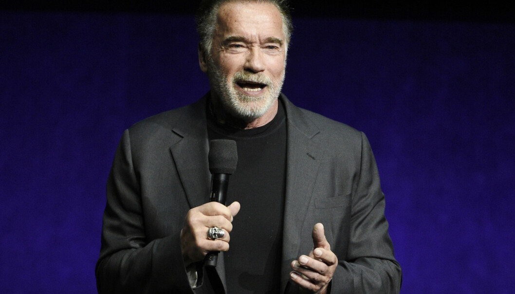 Arnold Schwarzenegger, som er aktuell i den kommende filmen «Terminator: Dark Fate», trodde han bare ble dyttet da en mann sparket ham i ryggen. Foto: AP / NTB scanpix