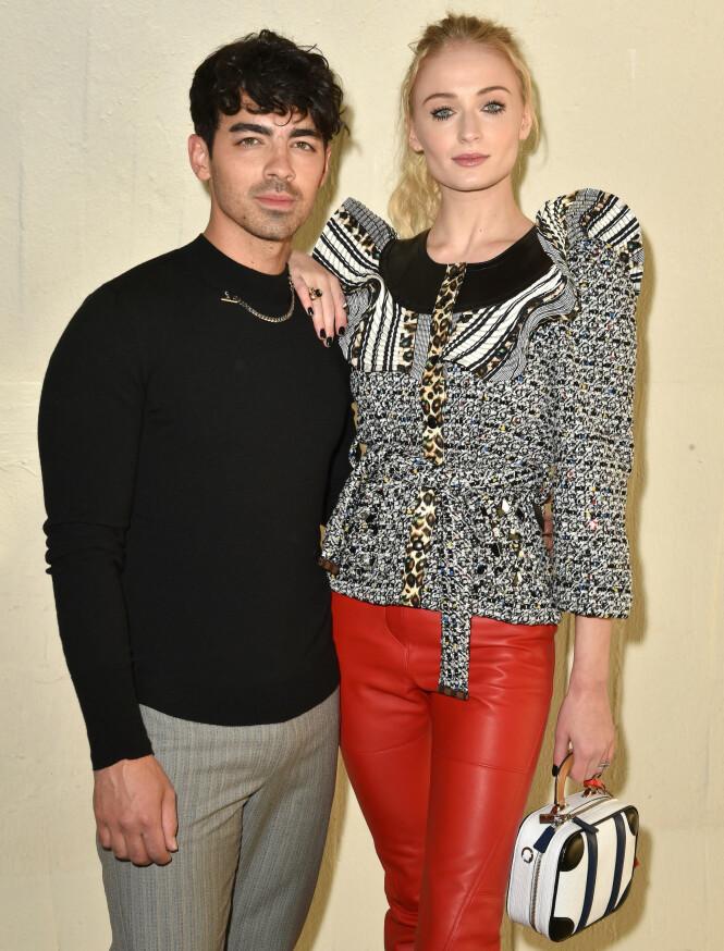 STJERNEPAR: Joe Jonas og Sophie Turner giftet seg tidligere denne måneden. Nå takker hun ham for å ha reddet livet hennes. Foto: NTB Scanpix