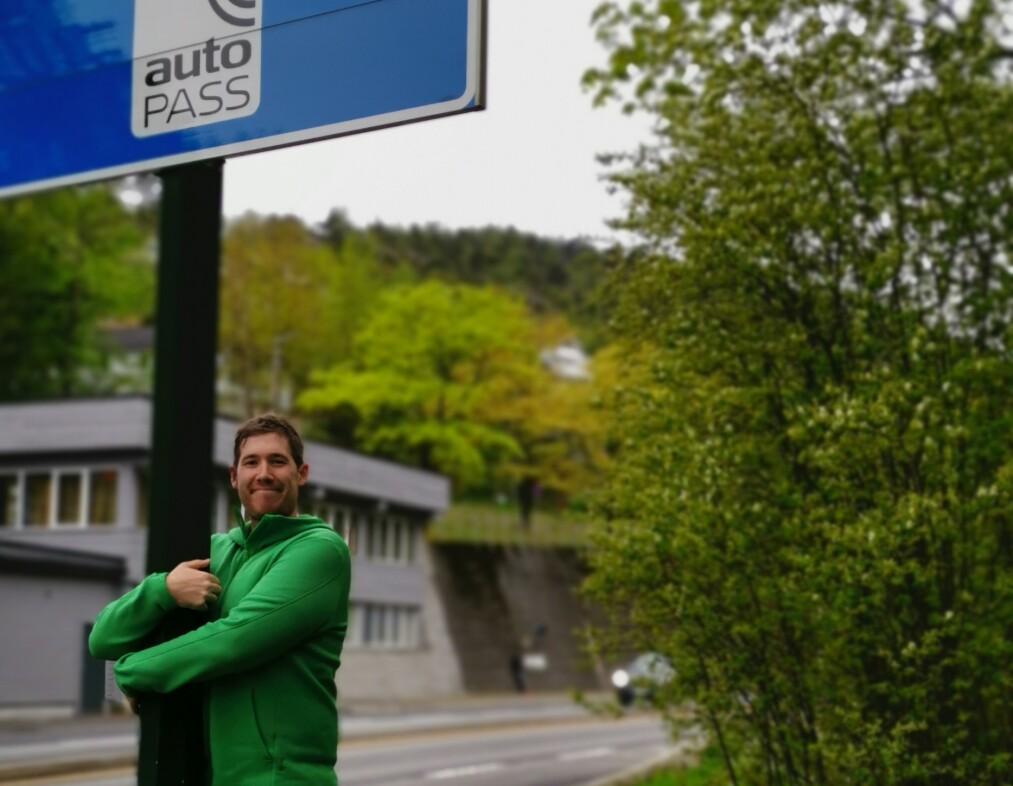 EKTE KJÆRLIGHET. MDGs listetopp i Bergen, Thor Haakon Bakke, mener det er viktig å fortelle at bomstasjoner har betydning ut over å finansiere kollektivtrafikk. Foto: Privat