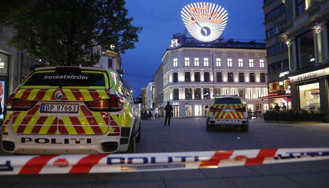 To menn ble onsdag pågrepet av politiet etter at en person ble påført stikkskader i magen på Egertorget i Oslo 17. mai. Dagen etter ble ytterligere en person pågrepet. Foto: Cornelius Poppe / NTB scanpix