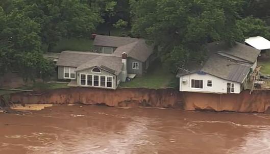 Tre omkom i tornado i Missouri