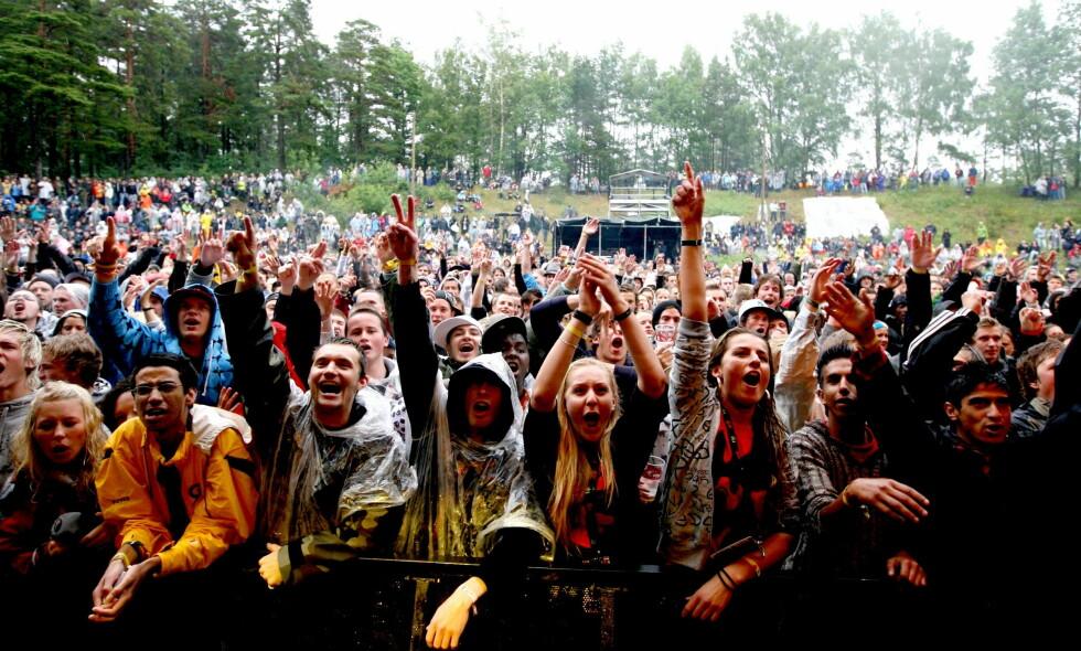 OVER FOR NY HOVEFESTIVAL: Tusener på tusener besøkte Hovefestivalen i sin tid. Her i 2007. De lokale kreftene som satset på en ny festival på samme område, er nå konkurs. Foto: Eirik H. Urke / Dagbladet