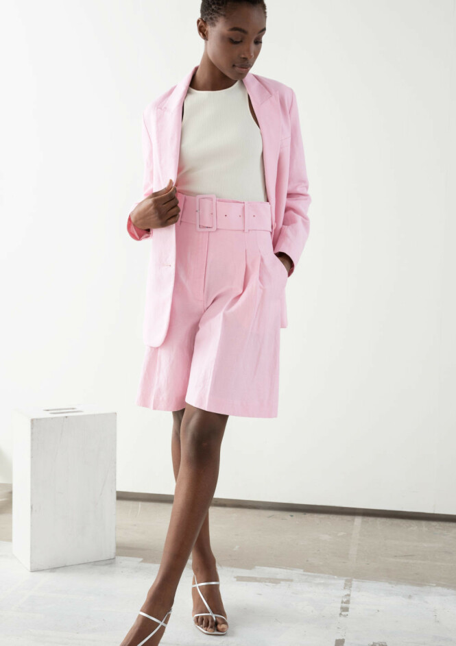 <strong>FRA &amp; OTHER STORIES:</strong> Blazer, kr 790. Shorts, kr 990.