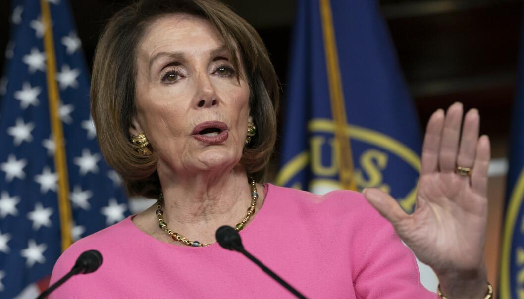 Lederen i Representantenes hus Nancy Pelosi, har i full offentlighet stilt spørsmål ved Donald Trumps mentale helse. Foto: J. Scott Applewhite / AP / NTB scanpix