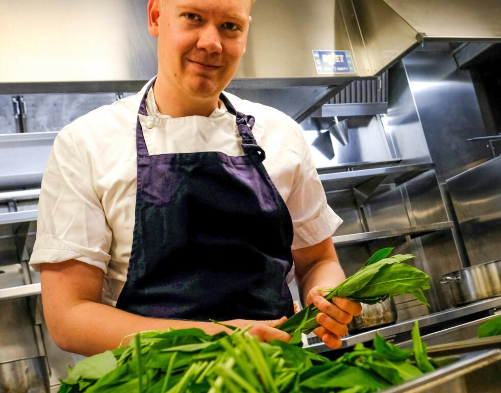 <strong>SESONGBEVISST:</strong> Norsk ramsløk er en favorittene for Statholdergaarden-kokk Joachim Lindgren. FOTO: Axel Munthe-Kaas Hærland.
