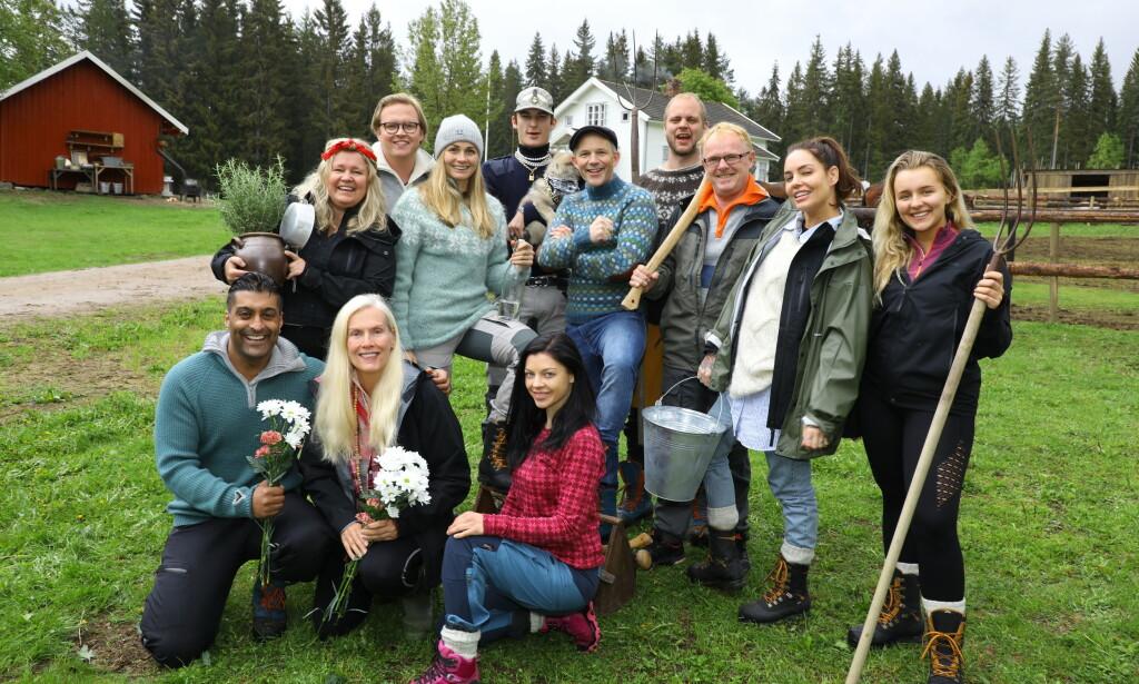 KAMPKLARE: Disse tolv skal kjempe om kampen for tilværelsen, når TV 2 ruller ut sin fjerde «Farmen kjendis»-sesong over nyåret. Foto: Morten Eik / Se og Hør